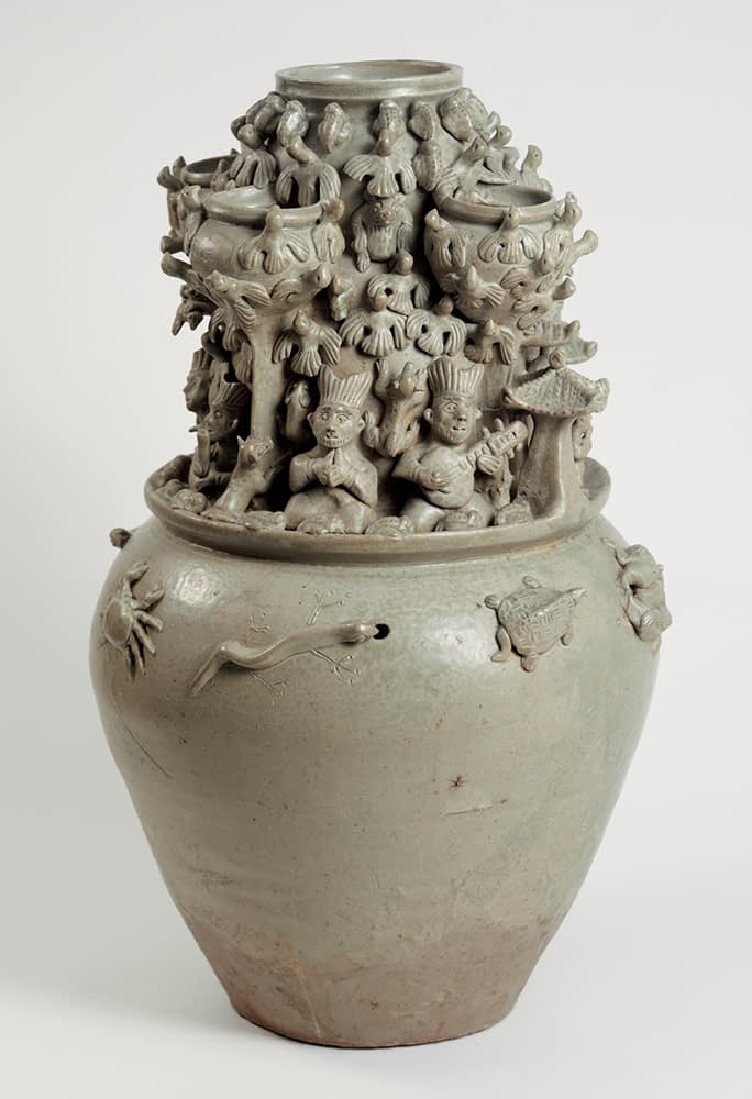 Hunping Funerary Jar, China, Zhejiang province. Western Jin Period (265–316) Glazed stoneware, Yue ware. Photo: Herbert F. Johnson Museum of Art, Cornell University